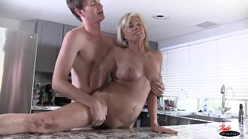 busty fucked earn money milf extra to Porn try out