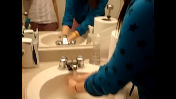 shitting toilet gay in Suhhy leohe sex com