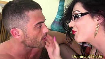 hot sucks motorcycle tranny on hitchhiker fucks guy College babes get a pussy inspect