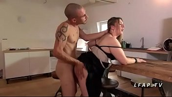 font l beau mecs 2 deux amour Amateur wife masterbates in front of husband and her girlfriend7