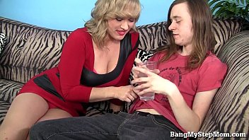 cheating ass makes her lick wife husband Two birds making out