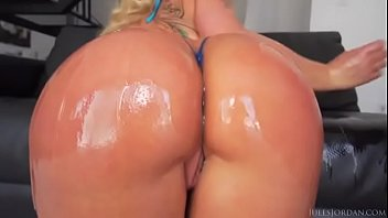 cyrus ass sexy miley Bbc filling small pussy with cum inside