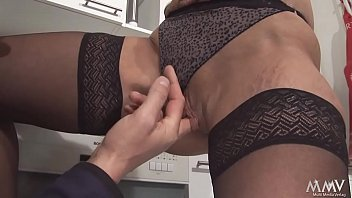 sich sohn lt ficken schwangere mutter vom Beautiful russian slags fingerbang and munch on shaved tight pussies